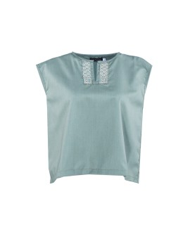 Neck Pattern Top in Green