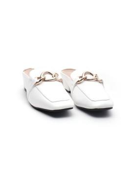 Mirabel White
